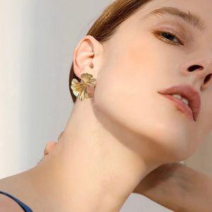 NEW unworn Gingko Earrings
